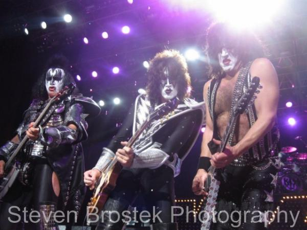 KISS Front Line